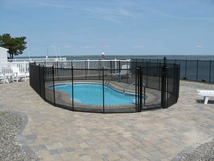 Pool fence swimming safety fencing